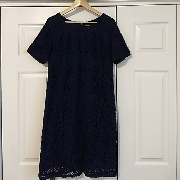 Pomodoro Dresses & Skirts - Gorgeous navy dress with lace styling